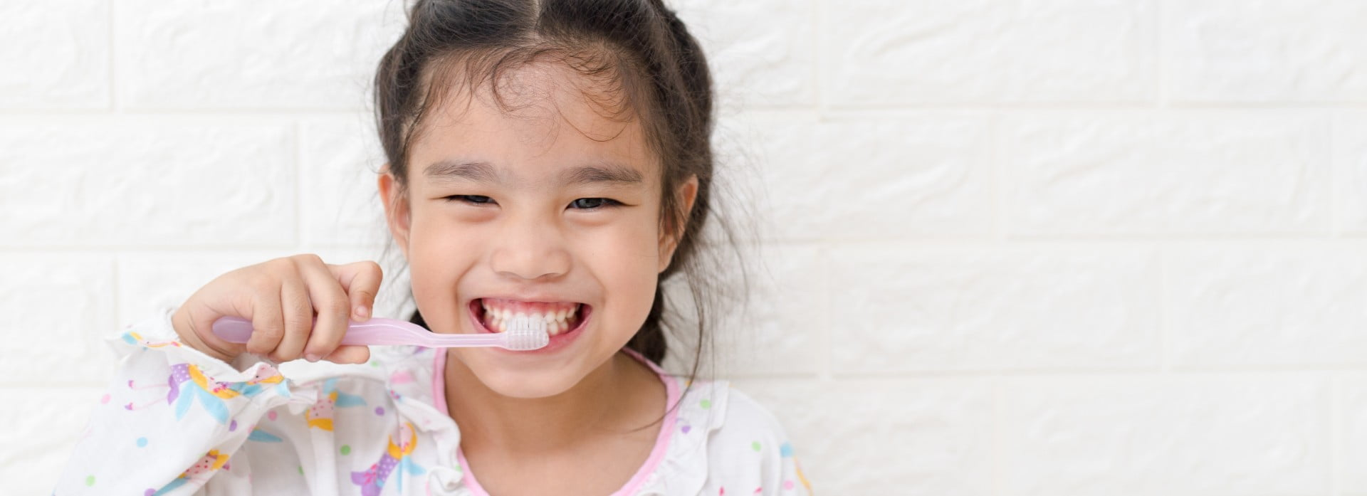 6 steps for how to brush your children's teeth correctly